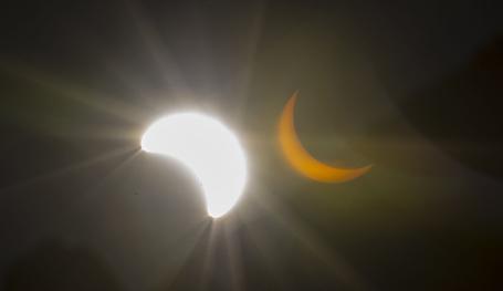 """""""Великое солнечное затмение"""" в США"""