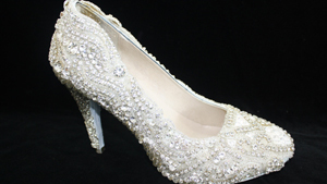 Бриллианты - лучшие друзья девушек, ювелиров. И... сапожников
