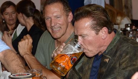 Слабость железного Арни - пиво