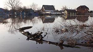 """Паводки в России: """"большая вода"""" наступает"""