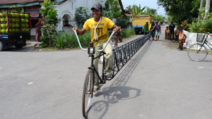 Велосипед длиной 13 метров - на одного пассажира