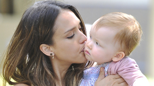 Счастливое материнство Джессики Альбы