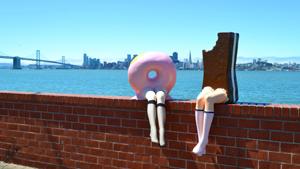 Глупые и смешные: парад десертов с человечьими ногами