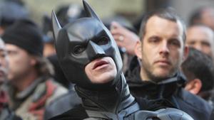 Ученые: реальный Бэтмен разбился бы при приземлении