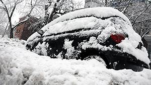 Снегопад в Канаде оставил без света 40 тысяч домов