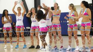 Женский баскетбол в нижнем белье