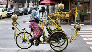 Эксцентричный велосипедист, зеркальный человек и Парень-зомби