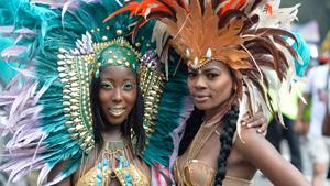 Первые красавицы красочного шествия