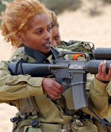 Женщинам в армиях место... Узнайте, в каких!