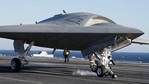 Мягкая посадка беспилотника X-47B