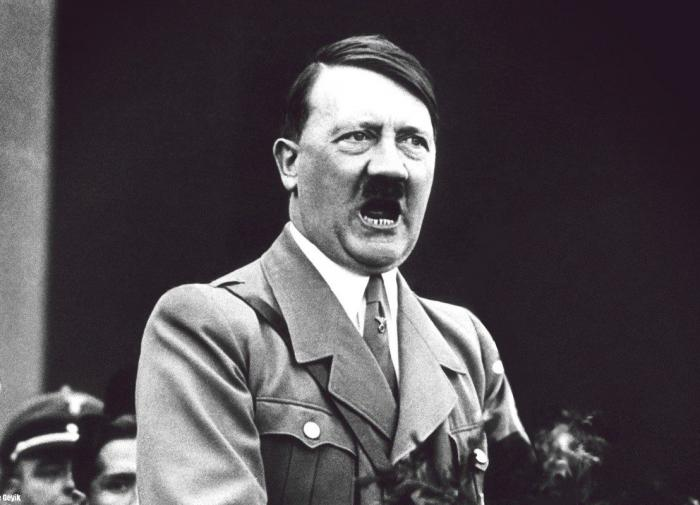Уволенный из-за мема про Гитлера австралиец получил компенсацию в 200 000 долларов