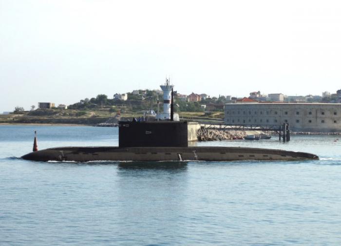 В Черном море две субмарины провели