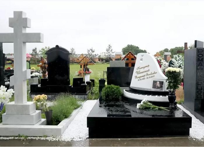 Памятник Владимиру Шаинскому