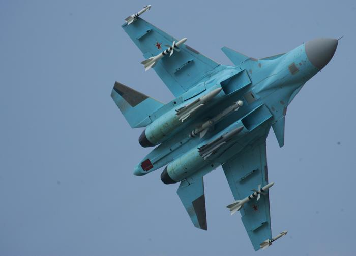 Сверхзвуковой истребитель-бомбардировщик Су-34