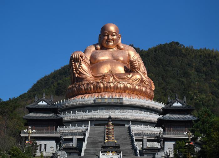 Медная статуя Будды Майтрейи