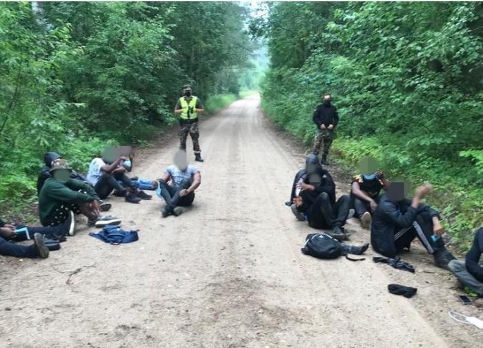 пойманные в Литве нелегальные мигранты