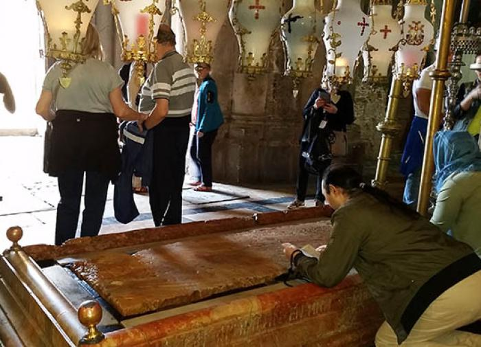 Иерусалим.Храм Гроба Господня плита Иисуса Христа