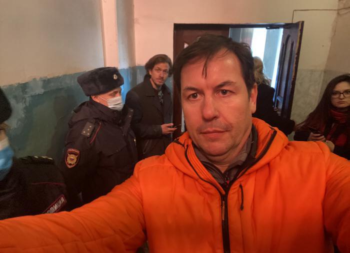 Корреспондент CNN Мэтью Ченс в отделении полиции